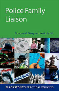 Police Family Liaison - Duncan McGarry,Kevin Smith - cover