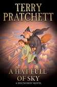 Libro in inglese A Hat Full of Sky: (Discworld Novel 32) Terry Pratchett