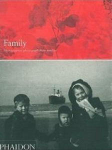 Libro Family. Photographers photograph their families