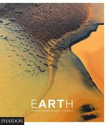 Earth. Bernhard Edmaier: colors of Earth - copertina