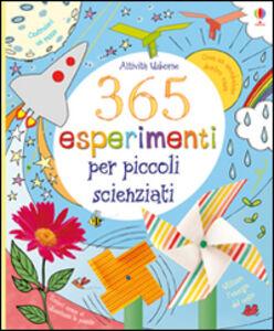 Foto Cover di 365 esperimenti per piccoli scienziati, Libro di  edito da Usborne Publishing