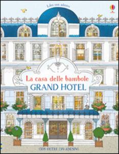 Foto Cover di Grand Hotel. Con adesivi, Libro di Jonathan Melmoth,Brendan Kearney, edito da Usborne Publishing