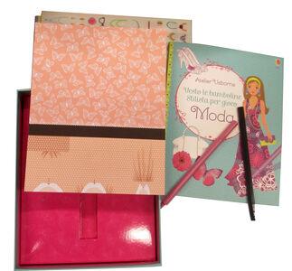 Libro Stilista per gioco. Atelier Usborne. Vesto le bamboline. Con adesivi Fiona Watt , Stella Baggott , Antonia Miller 3
