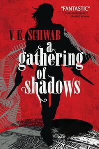 Libro inglese A Gathering of Shadows V. E. Schwab , Victoria Schwab