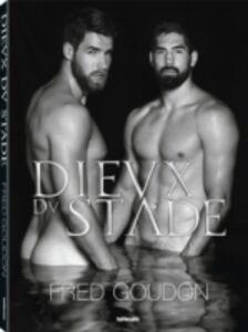 Foto Cover di Dieux du stade. Ediz. inglese, francese e tedesca, Libro di Fred Goudon, edito da TeNeues