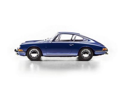 Libro The Porsche 911 book. 50th anniversary edition. Ediz. inglese, tedesca, francese, russa e cinese  1