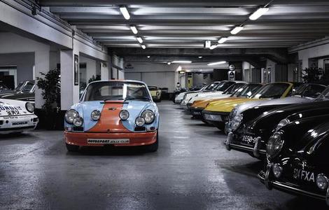 Libro The Porsche 911 book. 50th anniversary edition. Ediz. inglese, tedesca, francese, russa e cinese  2
