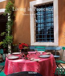 Criticalwinenotav.it Living in Provence. Ediz. italiana, spagnola e portoghese Image