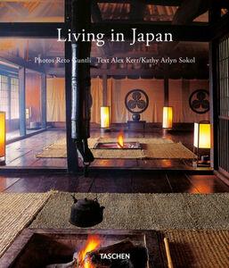 Libro Living in Japan. Ediz. italiana, spagnola, portoghese