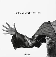 Issey Miyake. Ediz. multilingue.pdf