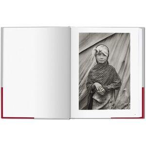 Foto Cover di Children. I bambini di Exodus. Ediz. italiana, spagnola e portoghese, Libro di Sebastião Salgado,Lélia Wanick Salgado, edito da Taschen 3
