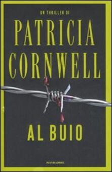 Al buio - Patricia D. Cornwell - copertina