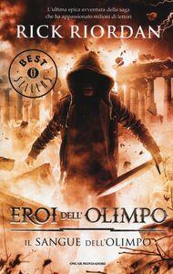 Foto Cover di Il sangue dell'Olimpo. Eroi dell'Olimpo. Vol. 5, Libro di Rick Riordan, edito da Mondadori