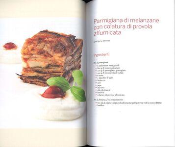 Foto Cover di Il piatto forte è l'emozione. 50 ricette dal Sud al Nord, Libro di Antonino Cannavacciuolo, edito da Einaudi 3