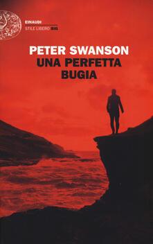 Una perfetta bugia - Peter Swanson - copertina