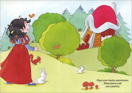 Foto Cover di Biancaneve, Libro di Jacob Grimm,Wilhelm Grimm, edito da Giunti Kids 1