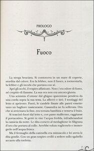 Foto Cover di Incantesimo di fuoco, Libro di Laura A. Schlitz, edito da Giunti Editore 1
