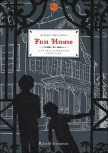 Fun home. Una tragicommedia familiare - Alison Bechdel - copertina