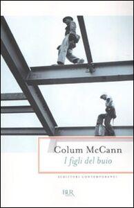 Libro I figli del buio Colum McCann