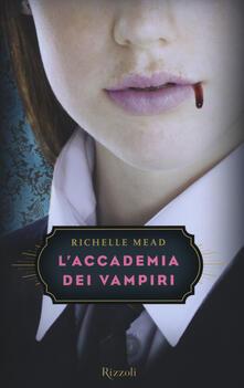 L accademia dei vampiri.pdf
