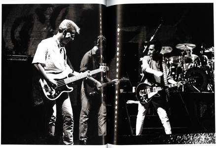 Libro The Smiths. Persi e salvati dalla musica: la band che prese per mano una generazione Nalinee Darmrong 2