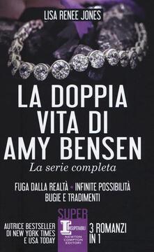 Rallydeicolliscaligeri.it La doppia vita di Amy Bensen. La serie completa: Fuga dalla realtà-Infinite possibilità-Bugie e tradimenti Image