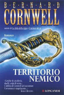 Territorio nemico - Bernard Cornwell - copertina