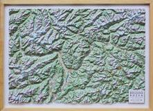 Bolzano 1:200.000 (carta in rilievo provinciale con cornice).pdf