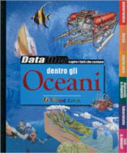 Foto Cover di Dentro gli oceani, Libro di  edito da Touring