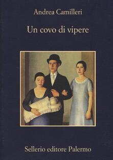 Un covo di vipere - Andrea Camilleri - copertina