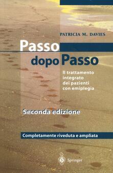 Steps to follow. Passo dopo passo. Il trattamento integrato dei pazienti con emiplegia.pdf