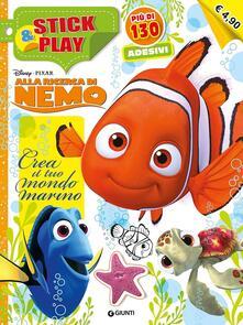 Premioquesti.it Crea il tuo mondo marino. Alla ricerca di Nemo. Stick & play. Con adesivi. Ediz. illustrata Image