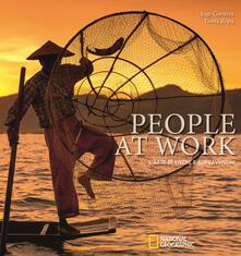 Fondazionesergioperlamusica.it People at work. L'arte di vivere e sopravvivere. Ediz. illustrata Image
