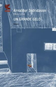 Un grande gelo - Arnaldur Indriðason - copertina