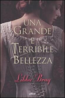 Una grande e terribile bellezza - Libba Bray - copertina