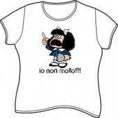 Idee regalo T-Shirt Mafalda a maniche corte, taglia M. Bianco. Io non mollo!!! Magazzini Salani