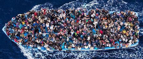 In mare non esistono taxi. Ediz. illustrata - Roberto Saviano - 2