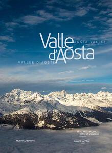 Valle d'Aosta-Vallée d'Aoste-Aosta Valley. Ediz. italiana, francese e inglese - Davide Jaccod,Enzo Massa Micon,Moreno Vignolini - copertina