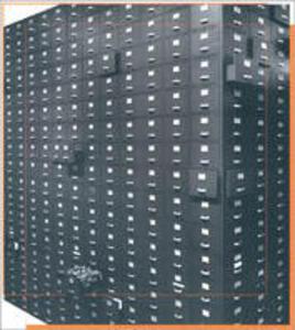 M'impiego ma non mi spezzo. Uffici, impiegati, fotografie 1900-2000. Catalogo della mostra (Milano, luglio-settembre 2001) - Cesare Colombo - copertina