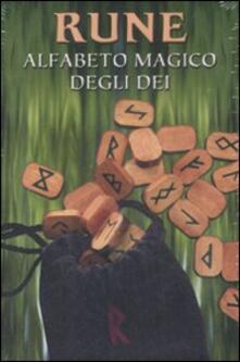 Rune. Alfabeto magico degli dei - Laura Tuan - copertina