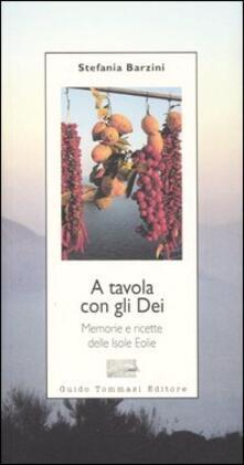 A tavola con gli Dei. Memorie e ricette delle Isole Eolie.pdf
