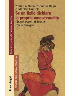 Se un figlio dichiara la propria omosessualità. Cinque ipotesi di lavoro con le famiglie.pdf
