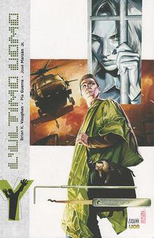 Cicli. Y. L'ultimo uomo - Brian K. Vaughan,Pia Guerra,José jr. Marzan - copertina