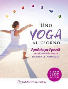 Lpgcsostenible.es Uno yoga al giorno. 7 pratiche per 7 pianeti per ritrovare la nostra naturale armonia. Con 2 DVD video Image
