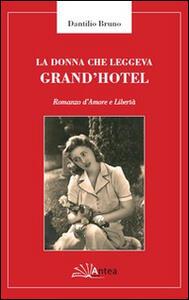 La donna che leggeva Grand'Hotel