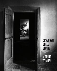 Marina Tomasi. L'essenza delle donne. Ediz. multilingue - copertina